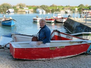 She lost her oars!!!