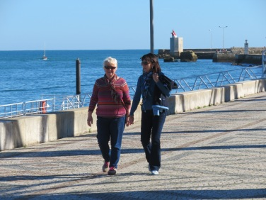 Françoise and Diane walking along the promenade.