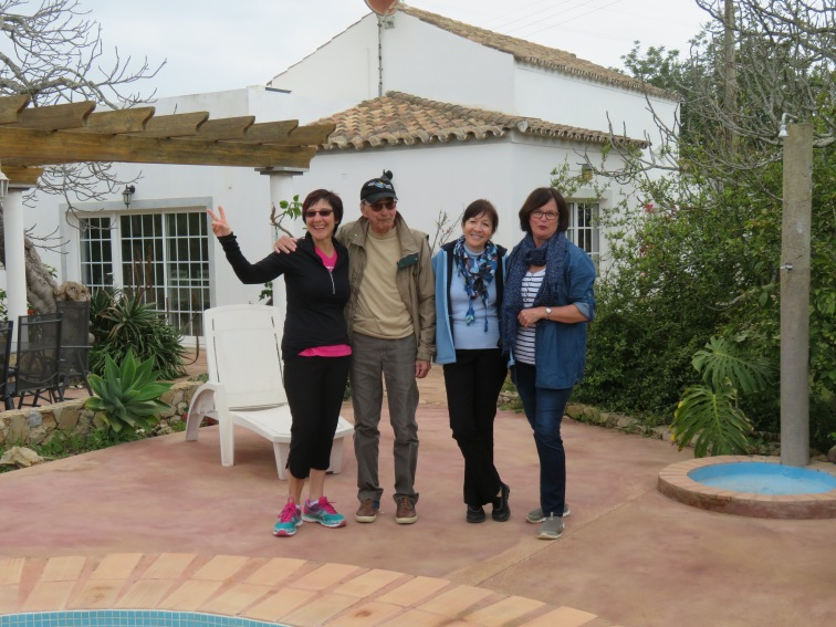 Bonnie, Benoit, Diane and Danielle at the pool in Berlengas.