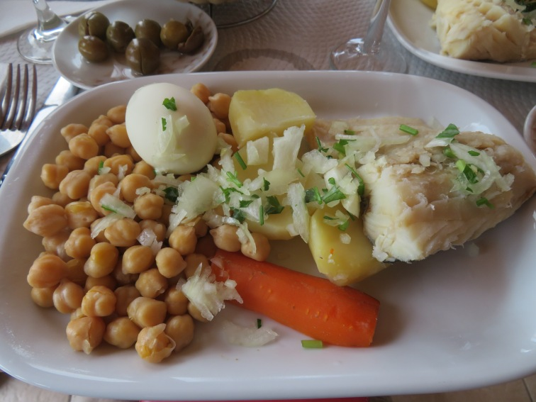 Pat, Gary and myself enjoyed bacalhau with chick peas,a traditional dish.