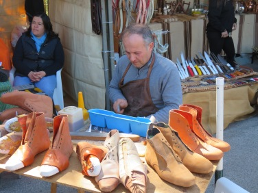 Amazing hand made shoes and at amazing prices.......
