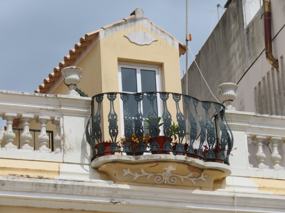 love the design under this balcony.
