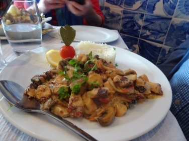 We ended up in Santa Luzia for fr3esh polvo (octopus). Here is Marcs polvo fricassee