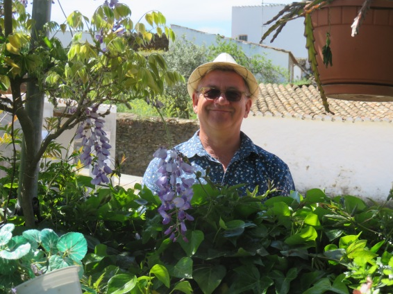 Marc and the wisteria in Cachopo