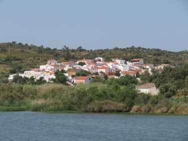 Almada do Oro, a tiny village with an existing population of 30!