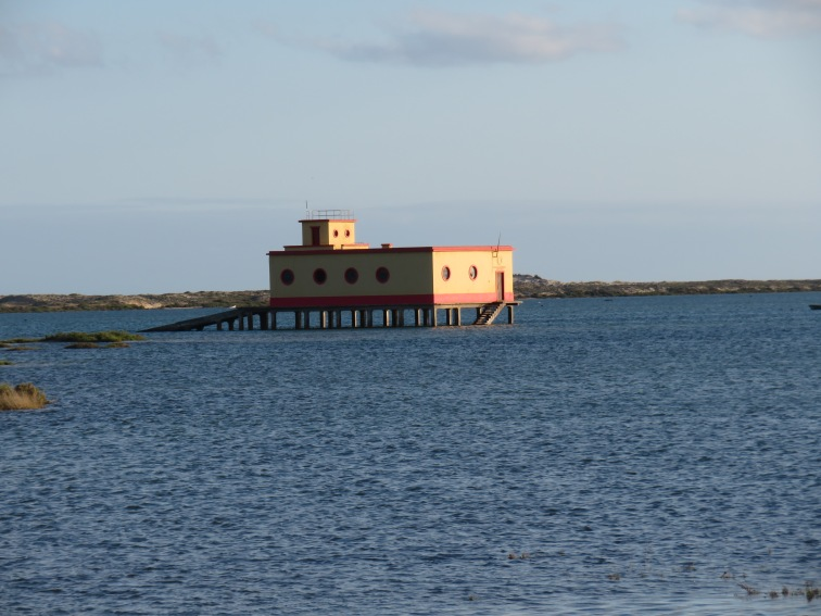 High tide in Fuzeta