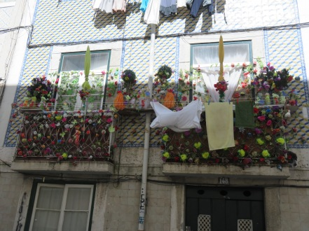What can I even attempt to say about this balcony?